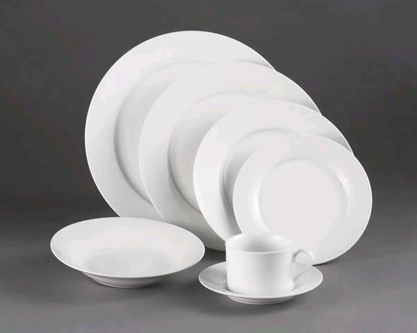 Where to find WHITE CHINAWARE in Petoskey